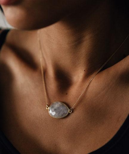 joaparis,joa,bijou,bijoux,ecommerce,pierredelune,pierre,de,lune,collier,hautefantaisie,pierrefine,mode,femme,parisienne,paris,fabriquéenfrance,faitmain,joailleriefine