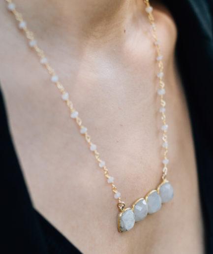 joa,paris,joa,bijou,bijoux,ecommerce,collier,pierredelune,pierrefine,rainbowmoonstone,labradorite,blanche,mode,femme,parisienne,fabriquéenfrance,faitmain,joailleriefine,vermeil